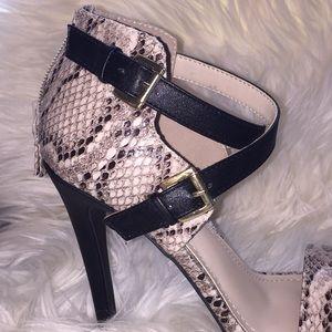 Anne Michelle Shoes - Anne Michelle Newbee snakeskin strappy sandals